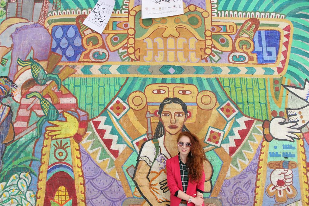 #Bologna #Italy #Traveling #Colorful #Wall #Girl #FreeToEdit